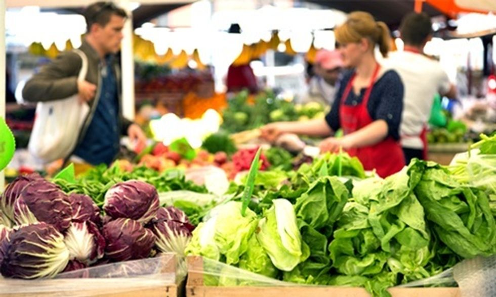 10 Superfoods You Can Buy This Spring at Your Local Farmers' Markets