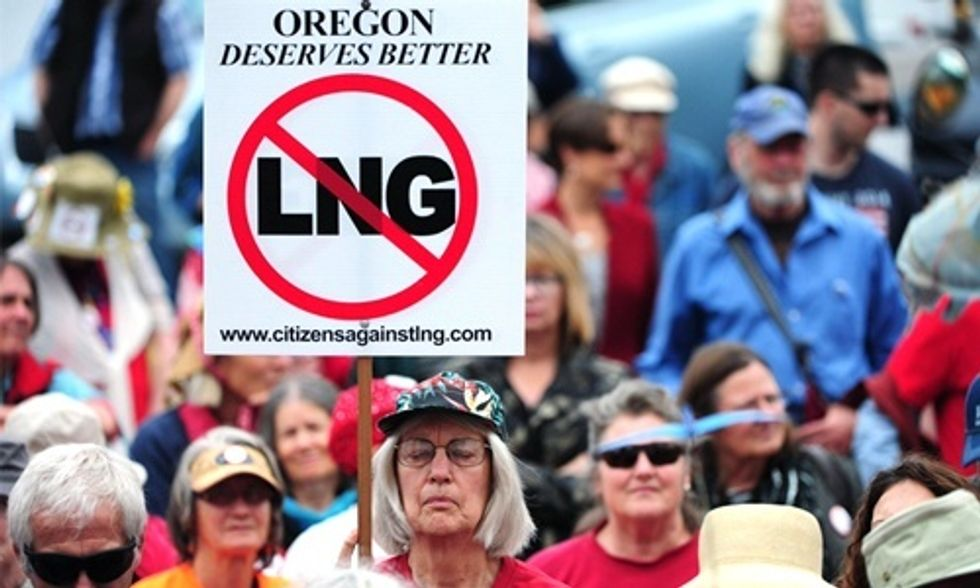 600 Rally in Opposition to LNG Exports