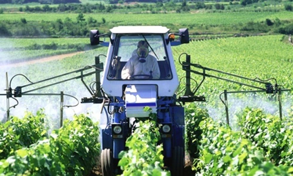 Big Ag Claims Cancer-Causing Glyphosate No More Dangerous Than 'Coffee or Working the Night Shift'