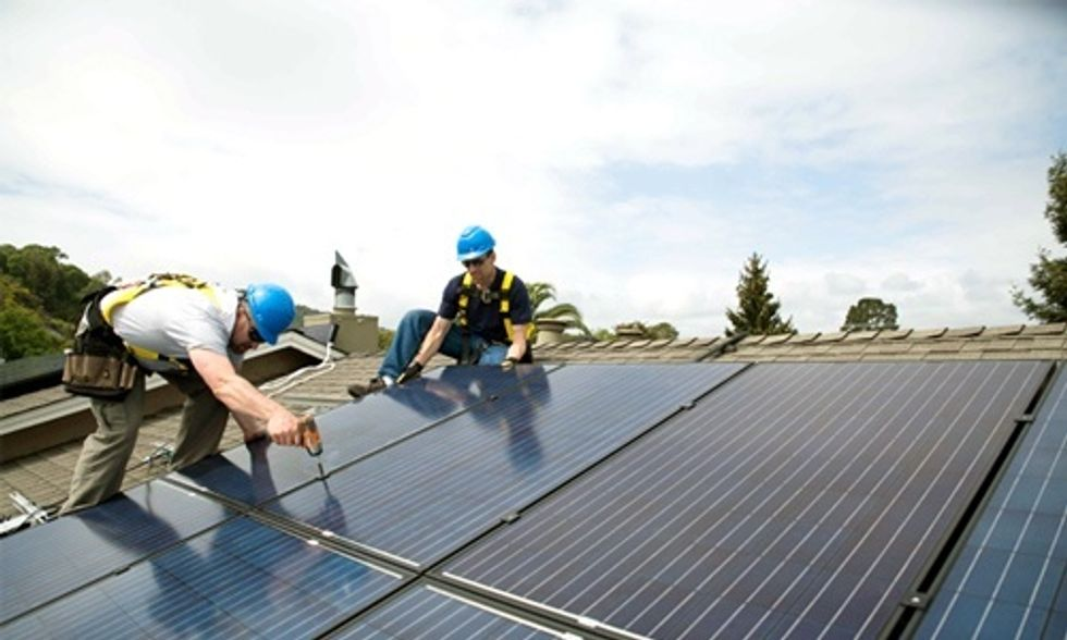 12 Reasons Why Solar Is Having an Explosive Year