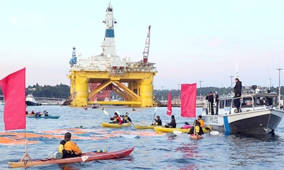 14 Detained Blockading Shell Oil Rig Headed for the Arctic