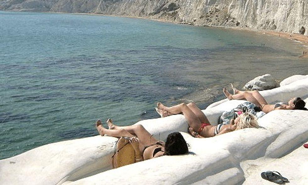 7 Most Unusual Beaches Around the World