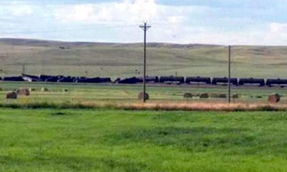 35,000 Gallons of Oil Spills After Montana Train Derailment