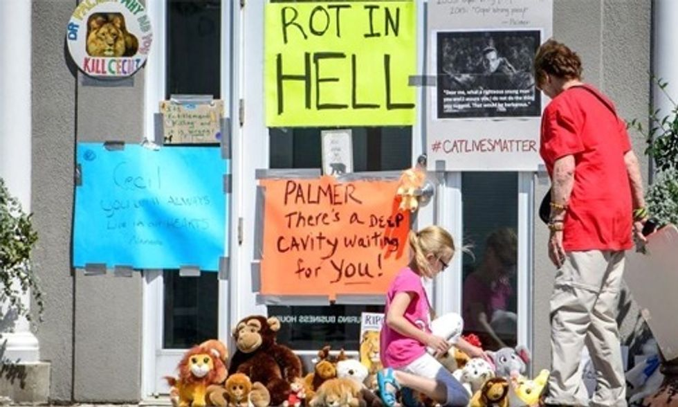 Will Walter Palmer Be Charged for Killing Cecil the Lion?