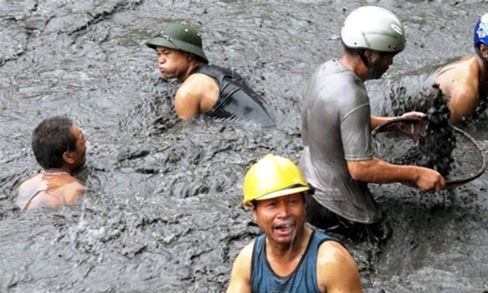 Toxic Floods From Coal Mines and Power Plants Hit Vietnam's Ha Long Bay World Heritage Site