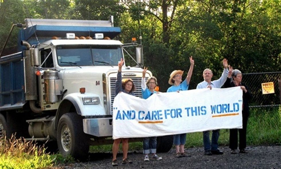 13 Arrested at Crestwood Blockade While Reading Pope Francis' Encyclical on Climate Change