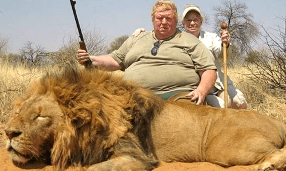 Killing of Cecil the Lion Prompts Major U.S. Airlines to Ban Trophy Hunting Shipments