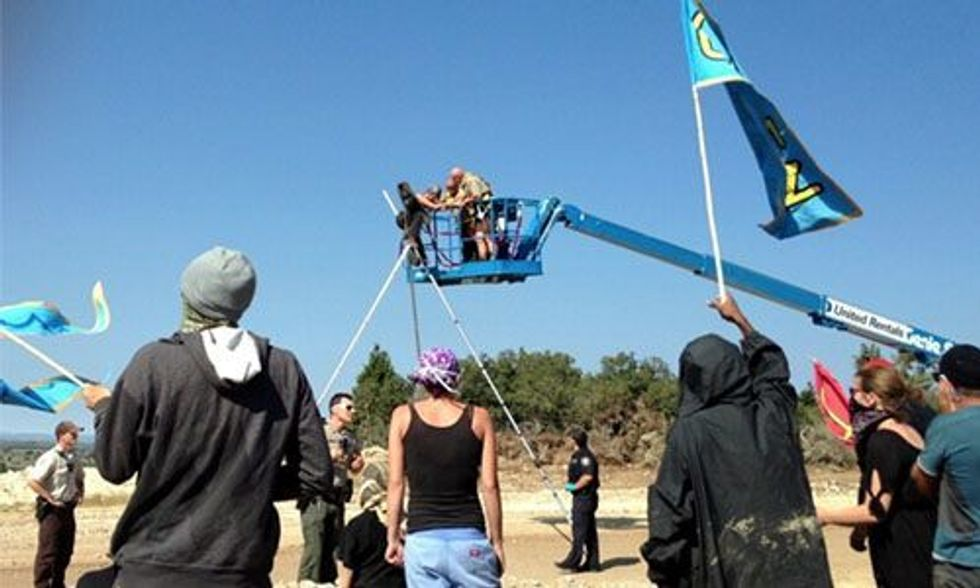 4 Arrested Blockading the U.S. First Tarsands Mine in Utah