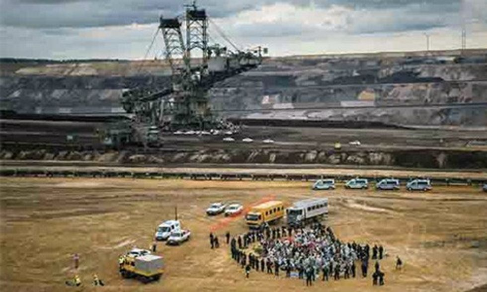 1,000 Activists Join Together to Say No to Big Coal