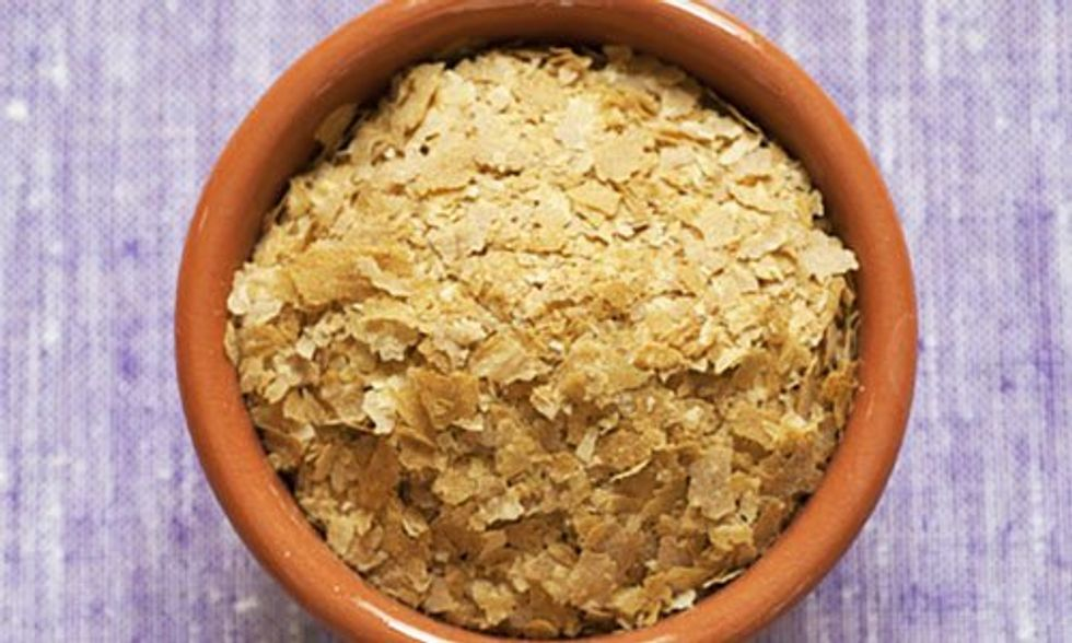 What the Heck Is Nutritional Yeast and Why Should I Use It?