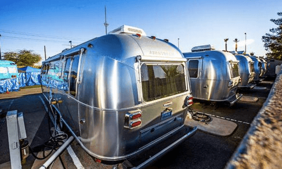Find Out Why Multi-Millionaire CEO of Zappos Lives in a Trailer Park