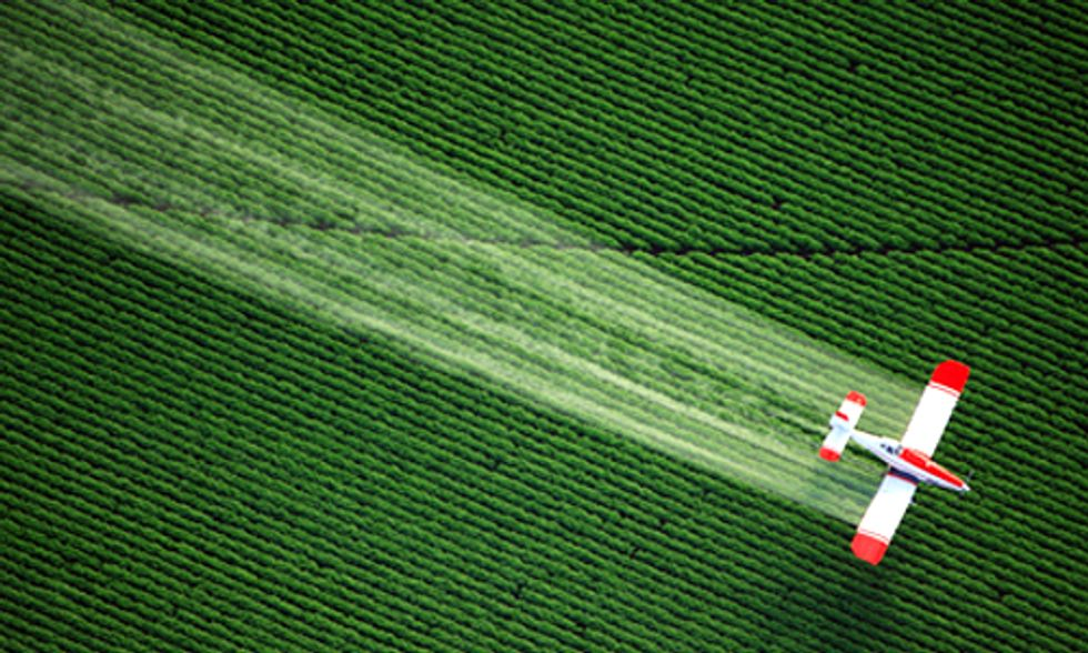 GMO Crops Accelerate Herbicide and Insecticide Use While Mainstream Media Gets It Wrong
