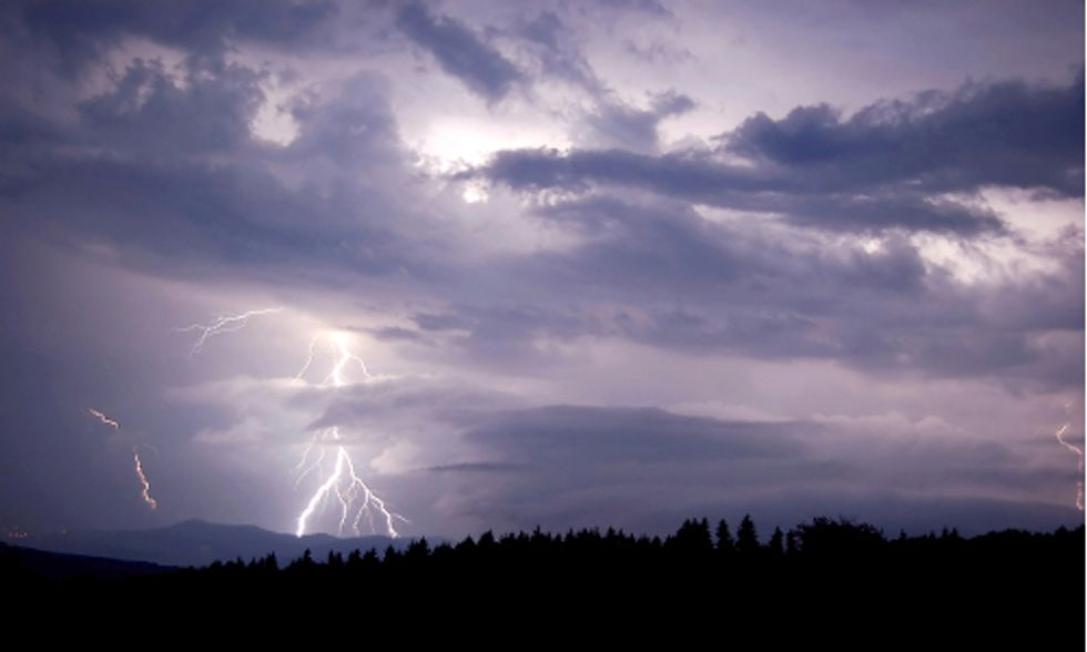 Climate Change Projected to Double Lightning Strikes by 2100