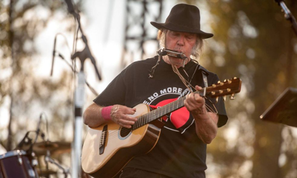 Neil Young Boycotts Starbucks Over Its Opposition to GMO Labeling