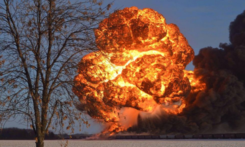 Lawsuit Filed Calling for Ban on Fracked Oil Bomb Trains
