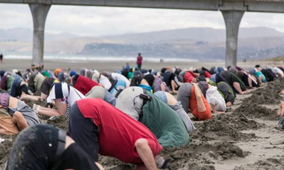 New Zealanders Bury Heads in Sand ... Just Like Their Government