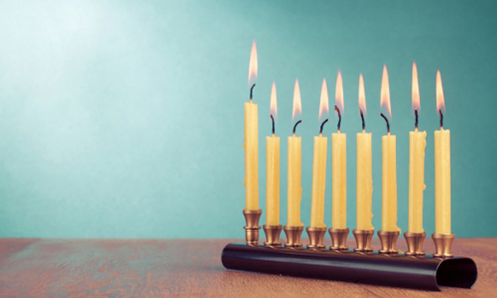 6 Easy Ways to Green Your Hanukkah