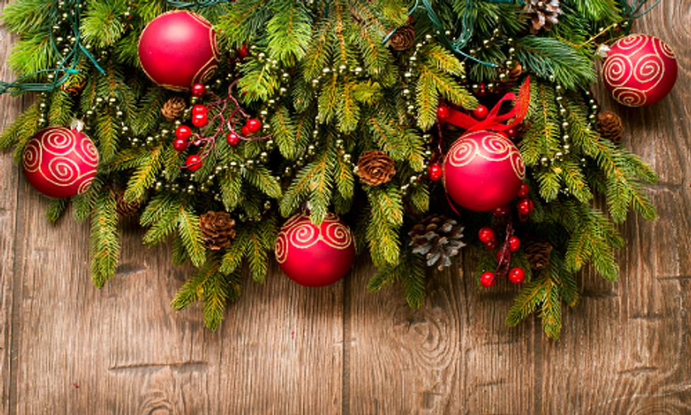 How to Make Your Holiday Merry—and Nontoxic