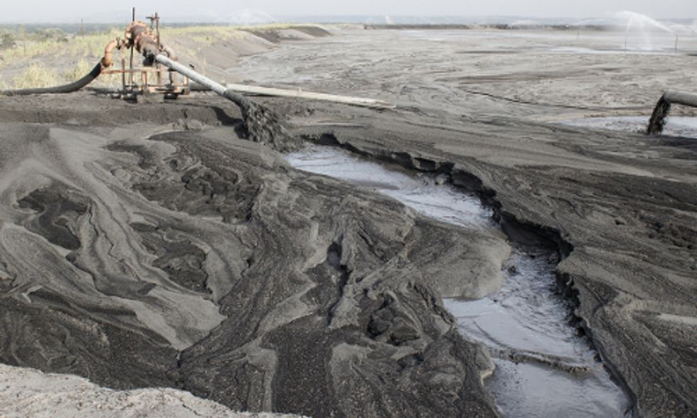 EPA's First-Ever Coal Ash Rules 'Do Not Go Far Enough to Protect Families'
