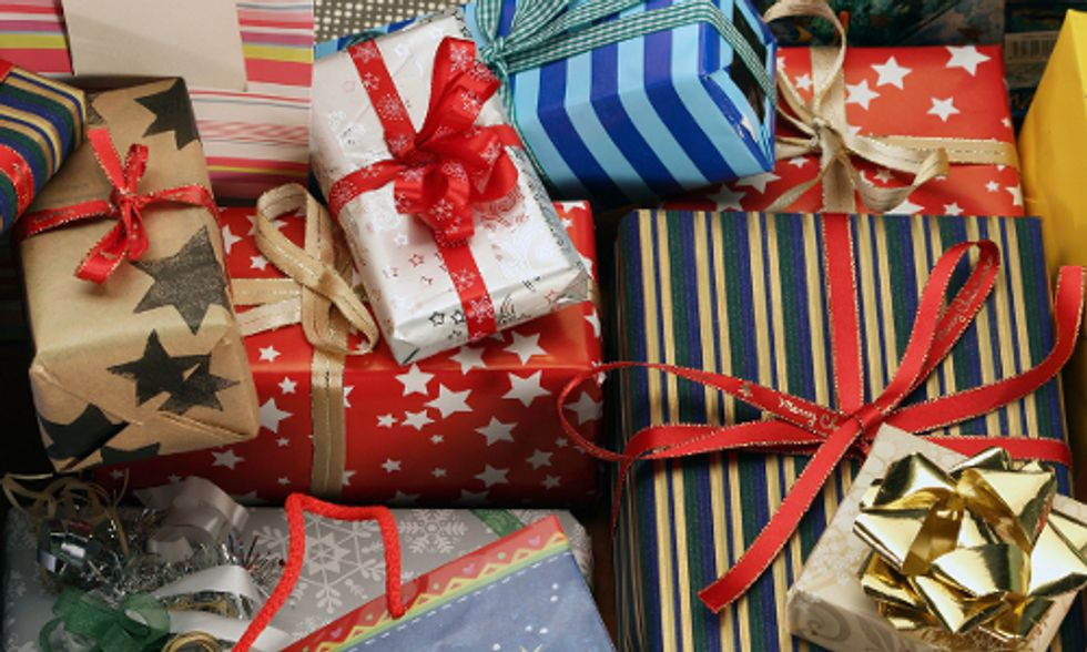 7 Ways to Be Less Wasteful This Holiday Season