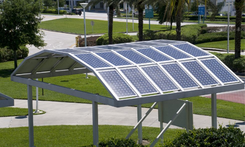 Tea Party Members and Environmentalists Join Forces in Support of Solar Energy