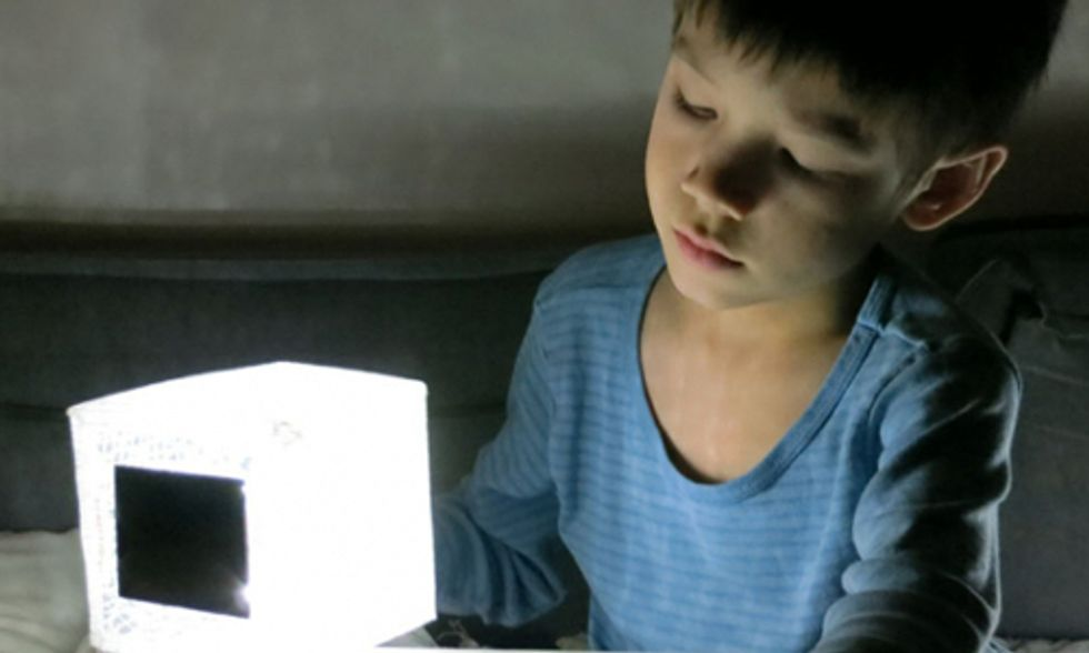 Solar Light Solution for 1.6 Billion People Living Without Electricity