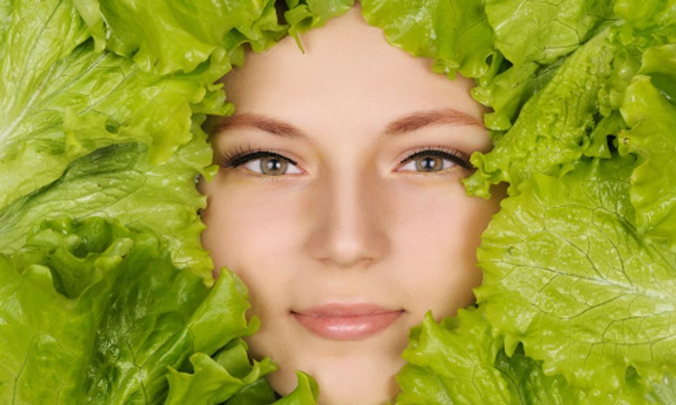 7 Foods That Nourish Your Skin