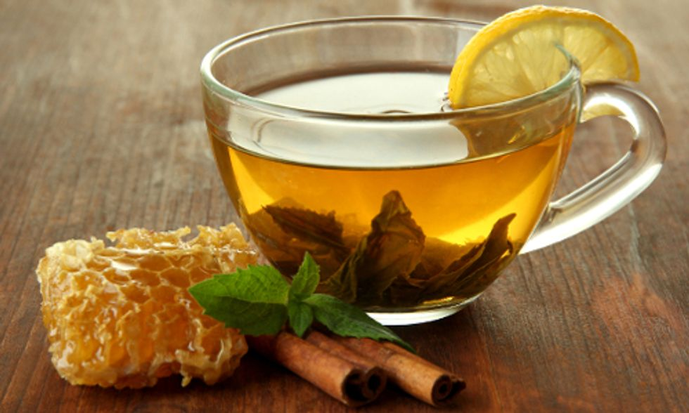 6 Natural Remedies to Heal a Sore Throat