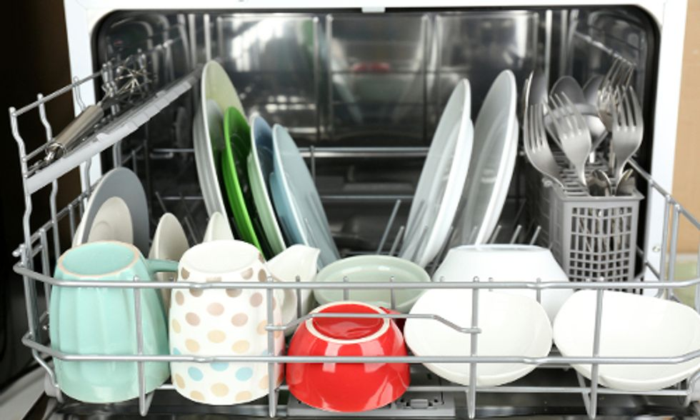 5 Tips for Nontoxic Dishwashing