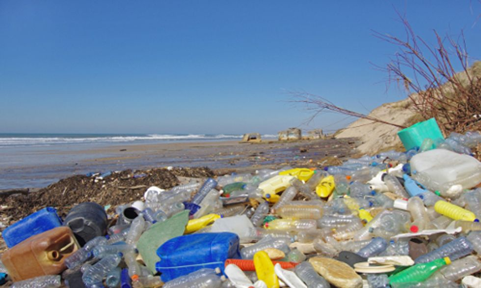 8 Million Metric Tons of Plastic Dumped Into World's Oceans Each Year