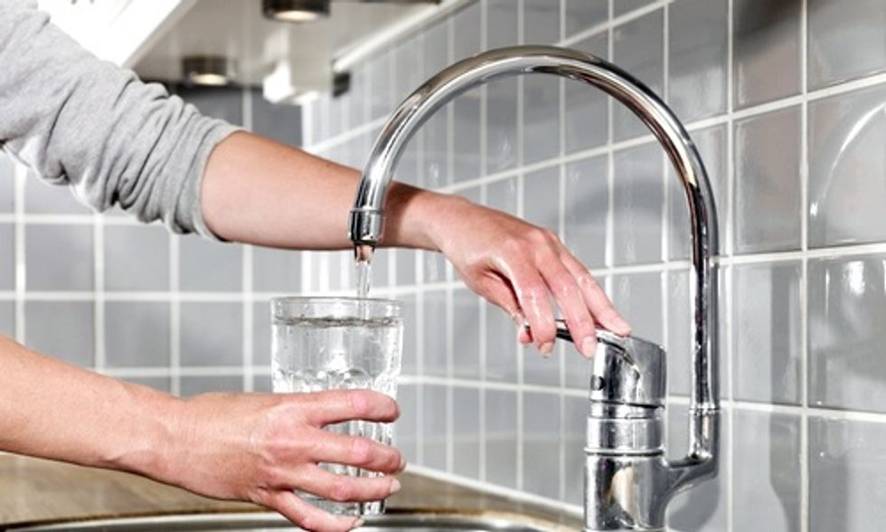 10 Million Bacteria Live in Your Drinking Water: Are They Dangerous?