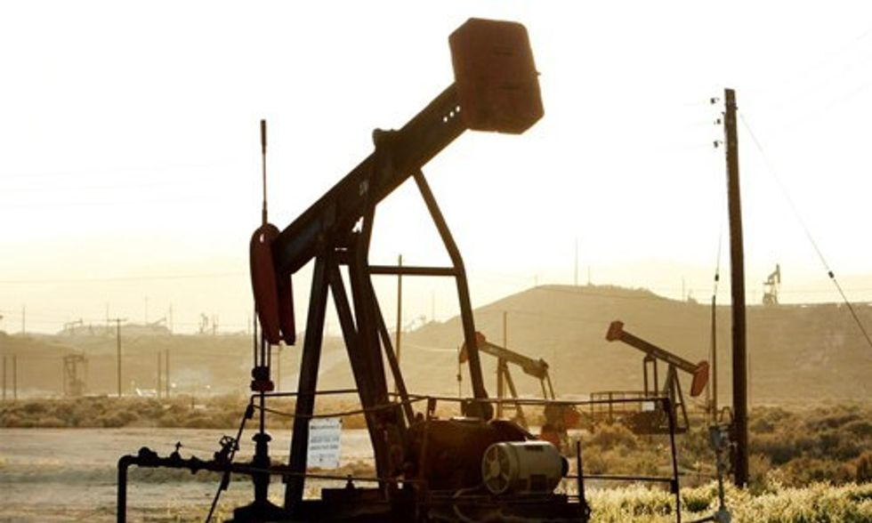 Half of U.S. Fracking Industry Could Go Bankrupt as Oil Prices Continue to Fall