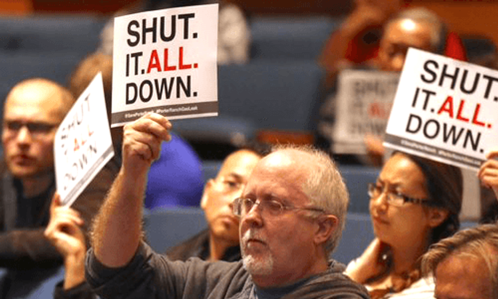 5 Disturbing Things Porter Ranch Methane Leak and Flint Water Crisis Have in Common