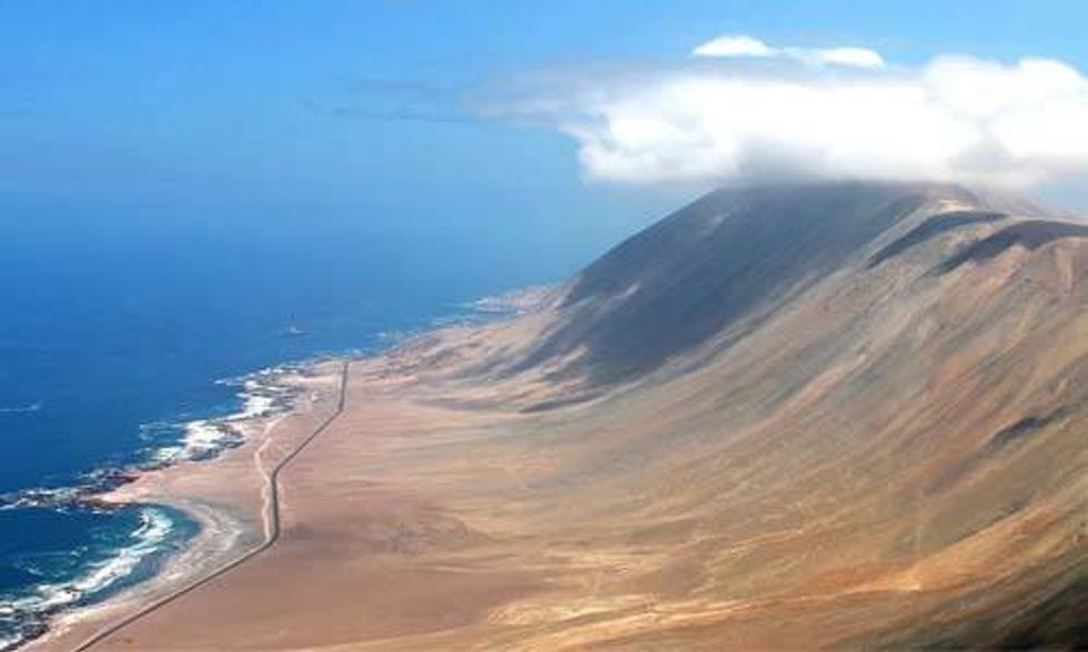 Huge Hydropower Plant to Harness Seawater and Solar Power in South America's Driest Desert