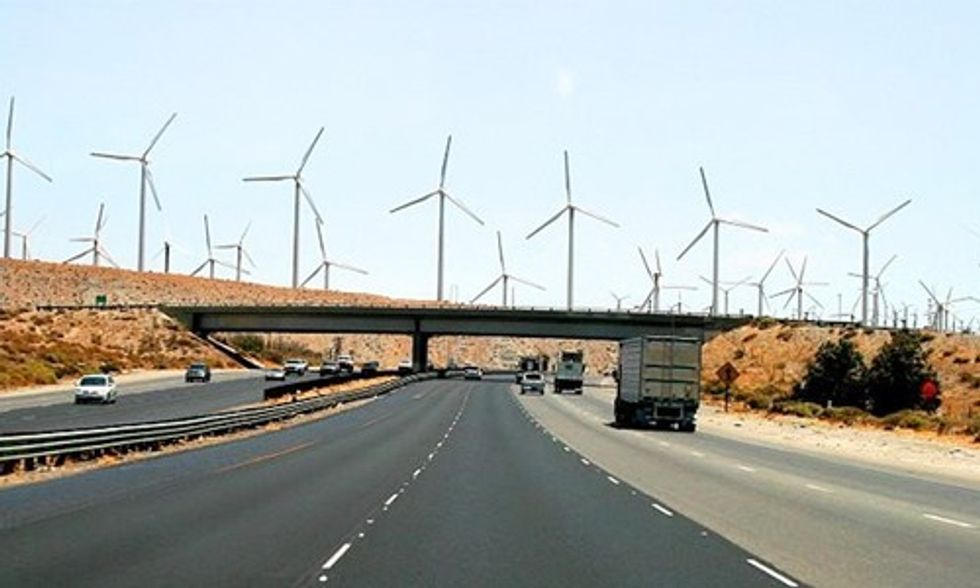 Revamping Electric Grid for Renewables Offers Quick Fix for Reducing Greenhouse Gas Emissions