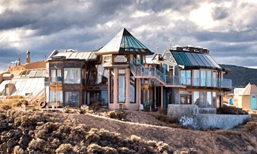 Want to Get Off the Grid and Live in Harmony With Nature? Build an Earthship