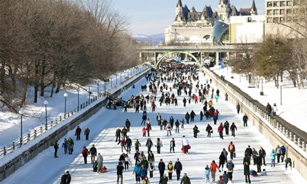 'World's Largest Skating Rink' Provides Carbon-Free Commute