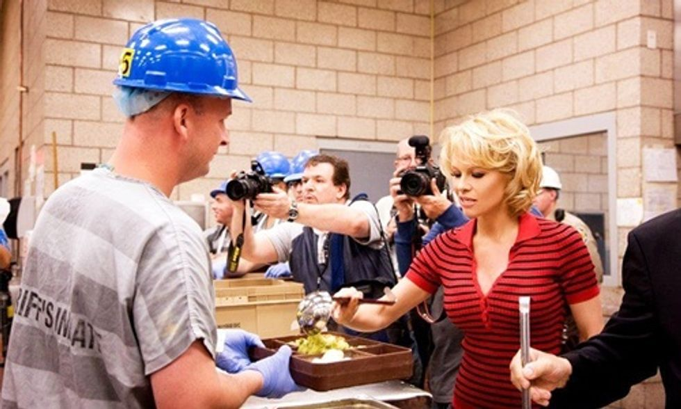 Pamela Anderson: If Louisiana Prisons Go Vegan, I'll Come Cook and Serve Lunch to the Inmates