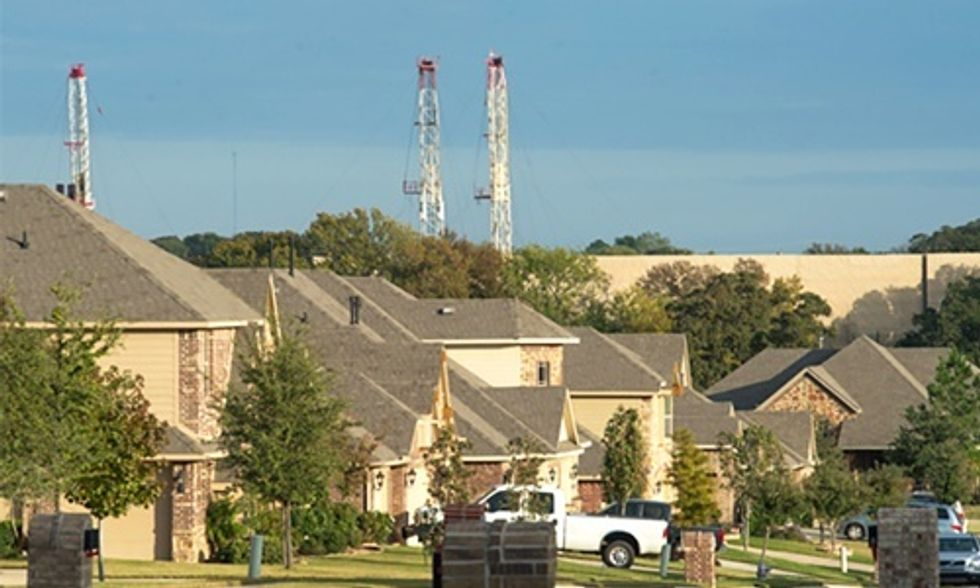 Stanford Scientist Finds People Living Near Shallow Fracking Wells at Risk of Drinking Water Contaminated With Methane
