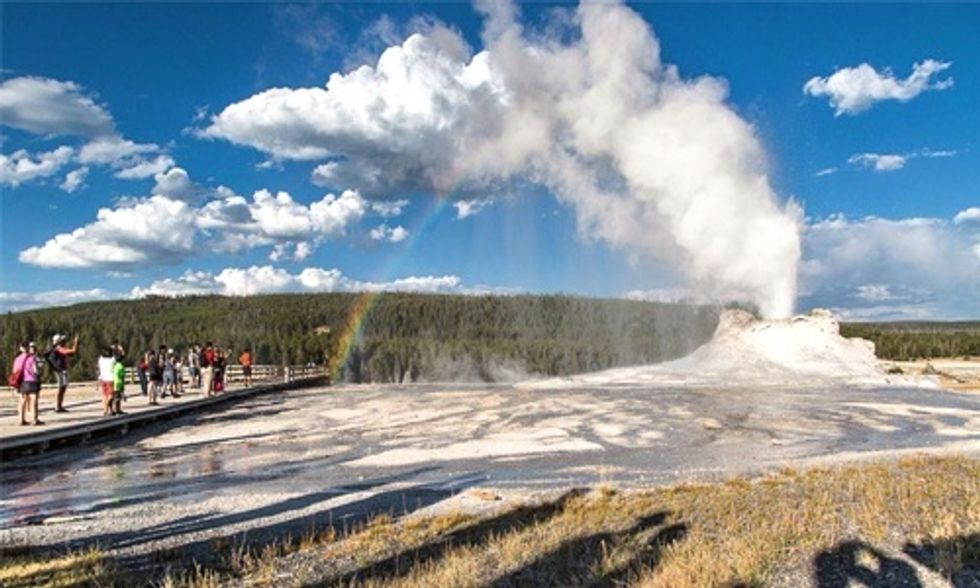 12 Breathtaking Photos of Yellowstone National Park