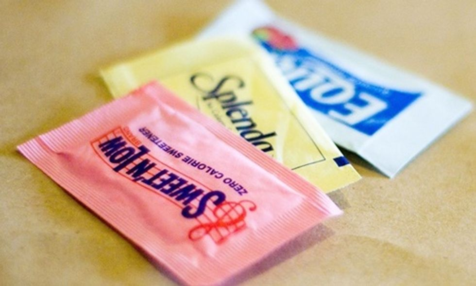 Do Artificial Sweeteners Affect Blood Sugar and Insulin?