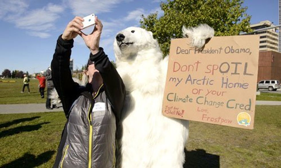 Hundreds Rally in Alaska to Tell Obama 'Climate Leaders Don't Drill the Arctic'