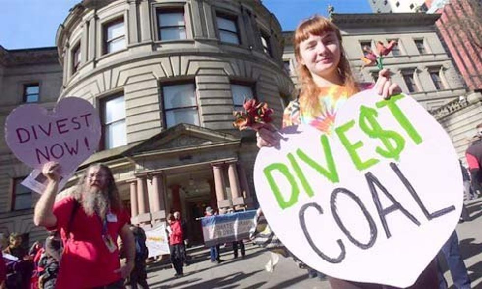 3 Huge Signs the Divest From Fossil Fuels Campaign Is Winning