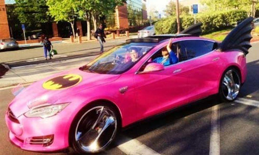17 Celebrities That Love Elon Musk's Tesla