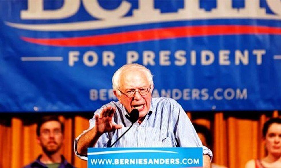 Bernie Sanders Takes Major Lead Over Hillary Clinton in Key Battleground States