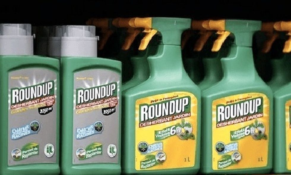 Monsanto Sued by Farm Workers Claiming Roundup Caused Their Cancers