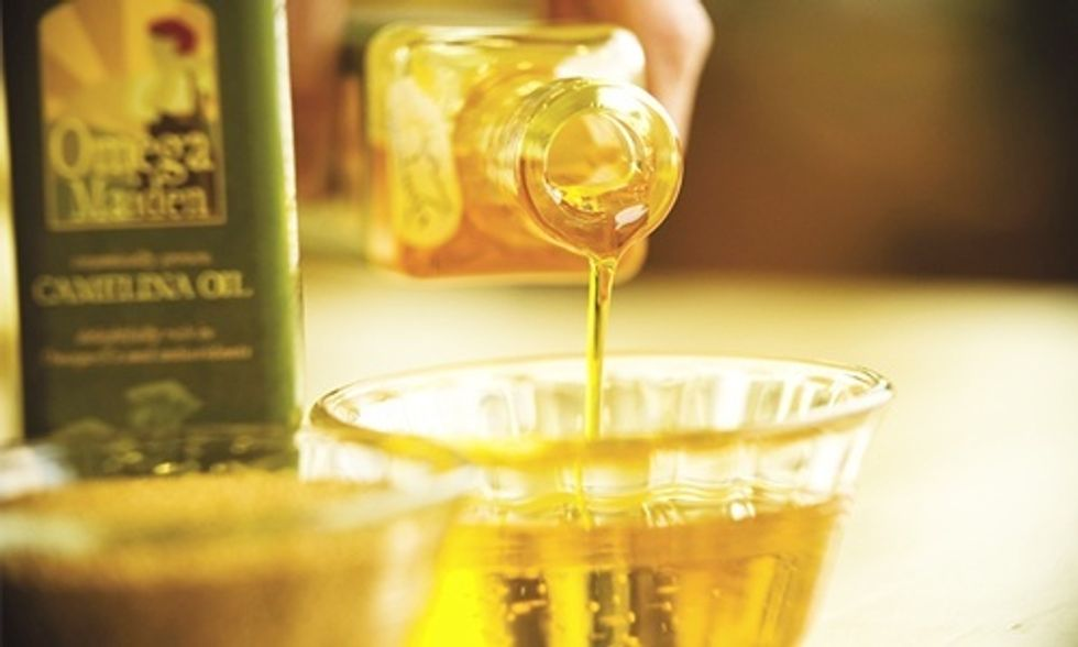 6 Reasons Why You Should Try Camelina Oil Today