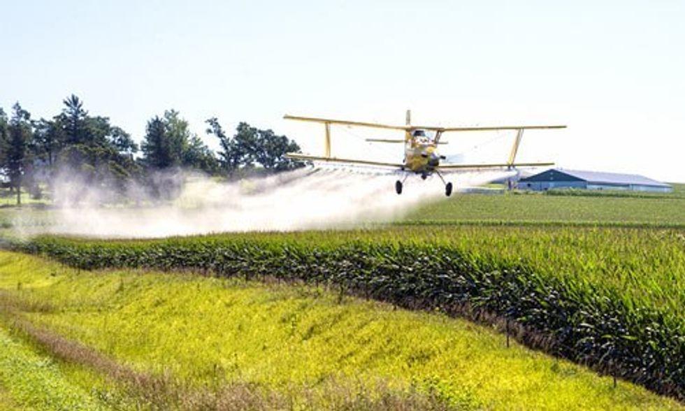 2.6 Billion Pounds of Monsanto's Glyphosate Sprayed on U.S. Farmland in Past Two Decades