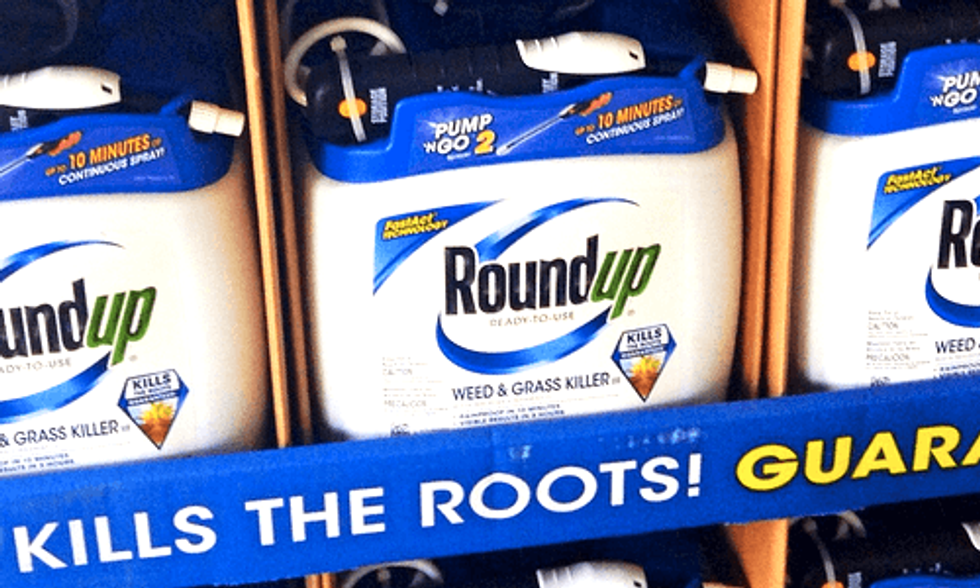 Lawsuits Mount Against Monsanto's 'Cancer-Causing' Weedkiller