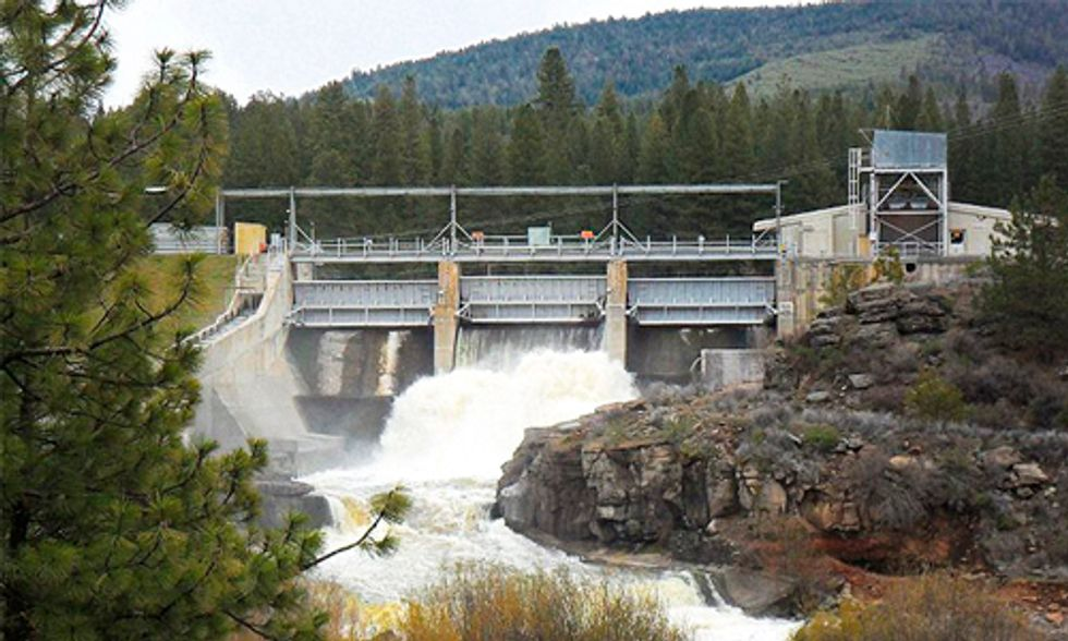 Removal of 4 Dams to Reopen 420 Miles of Historic Salmon Habitat on Klamath River
